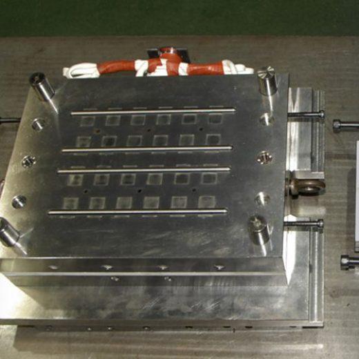 自動車部品量産用ゴム金型